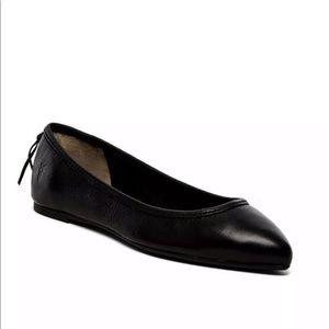 Size 8.5 Frye Regina Black Leather Flats